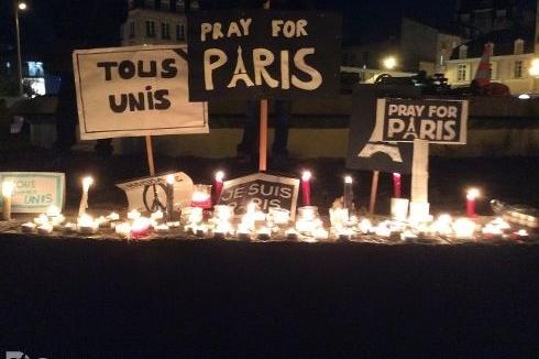 Le Gabon s'est joint au cœur de soutien à Paris après les meurtriers attentats du 13 Novembre