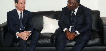 Manuel Valls calme le jeu entre Paris et Libreville
