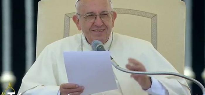 Le pape François se dit soucieux des risques de violence au Gabon
