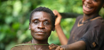 Les Pygmées sans-papiers de Doumassi