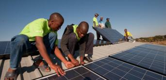 La centrale solaire hybride de Ndjolé livrée en mars 2020